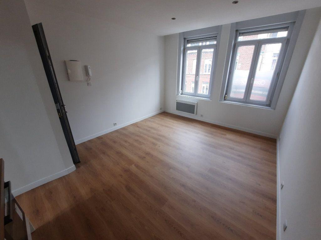 Appartement à louer 1 22.01m2 à Lille vignette-1