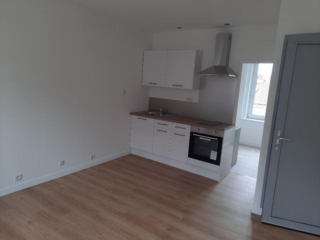 Appartement à louer 1 22.01m2 à Lille vignette-4