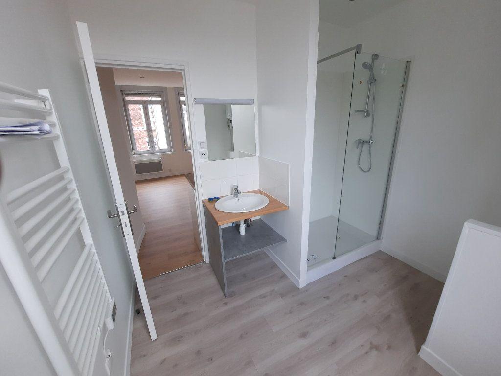 Appartement à louer 1 22.01m2 à Lille vignette-6