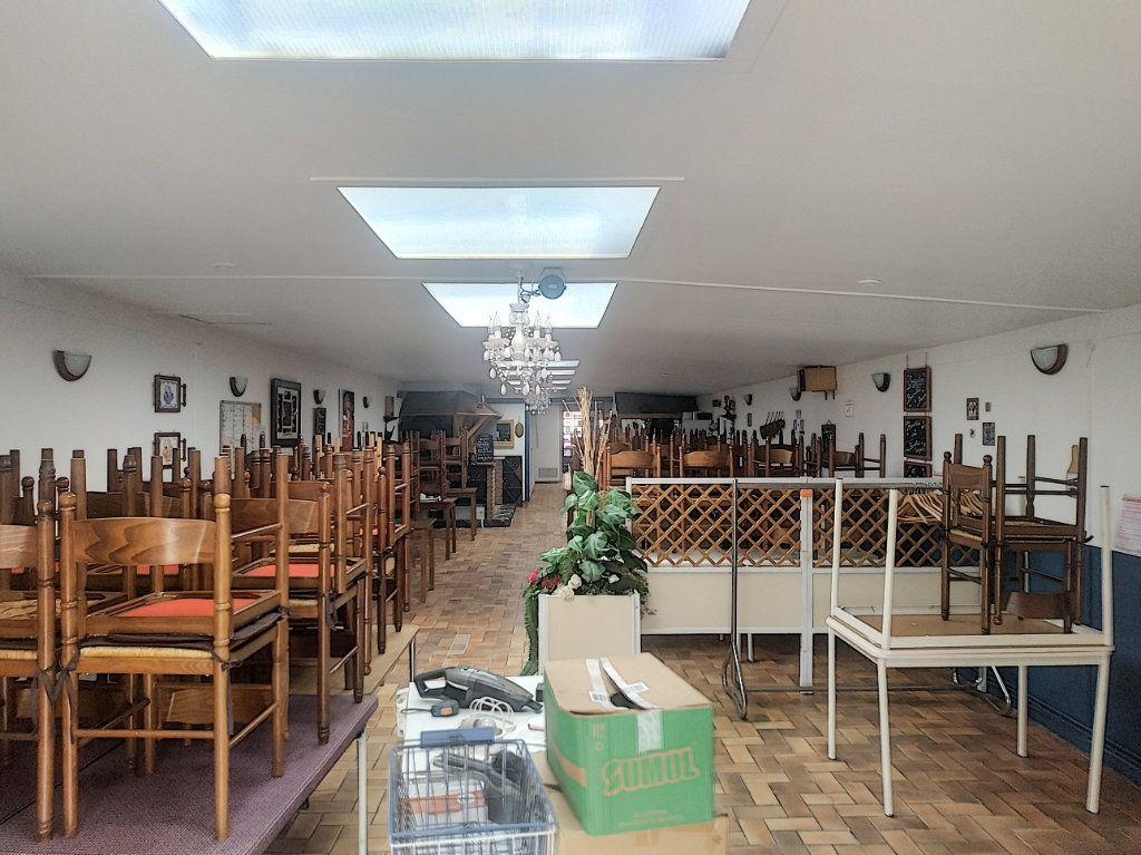 Maison à vendre 4 210m2 à Tourcoing vignette-4