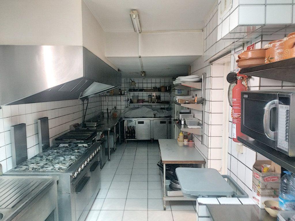 Maison à vendre 4 210m2 à Tourcoing vignette-5