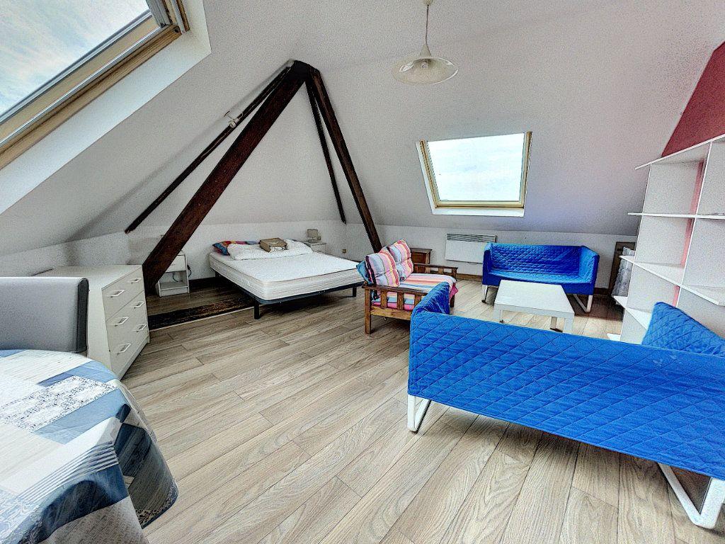 Appartement à vendre 1 31m2 à Lille vignette-1