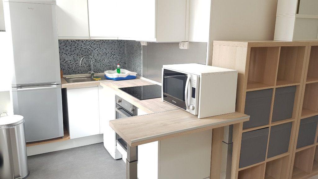 Appartement à louer 4 72m2 à Tourcoing vignette-4