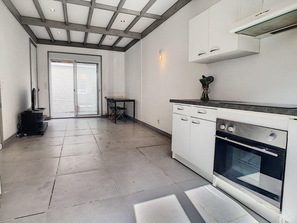 Maison à vendre 4 75m2 à Tourcoing vignette-1