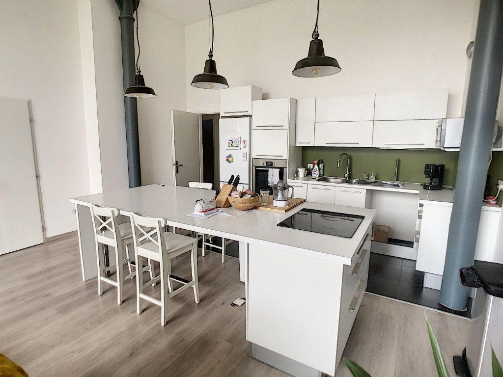 Appartement à vendre 3 80.5m2 à Lille vignette-2