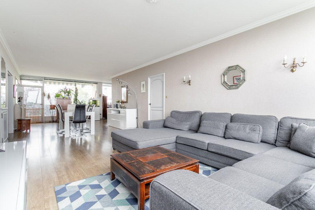 Appartement à vendre 4 127.03m2 à Roubaix vignette-2