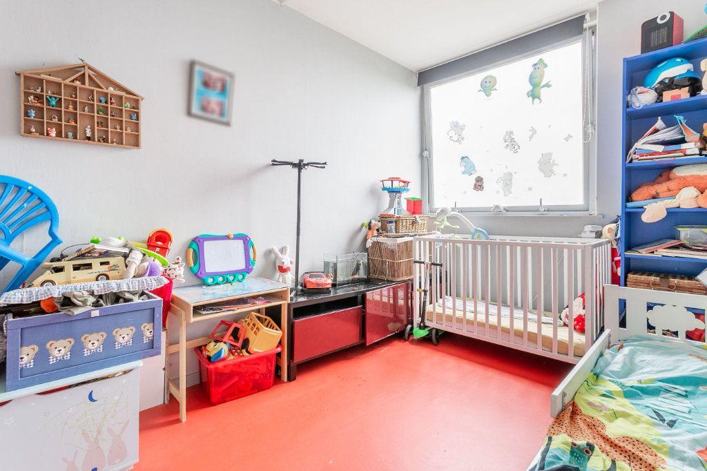 Appartement à vendre 4 127.03m2 à Roubaix vignette-8
