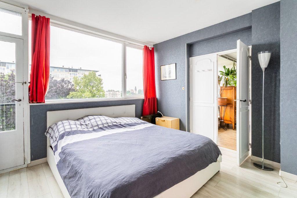 Appartement à vendre 4 127.03m2 à Roubaix vignette-11