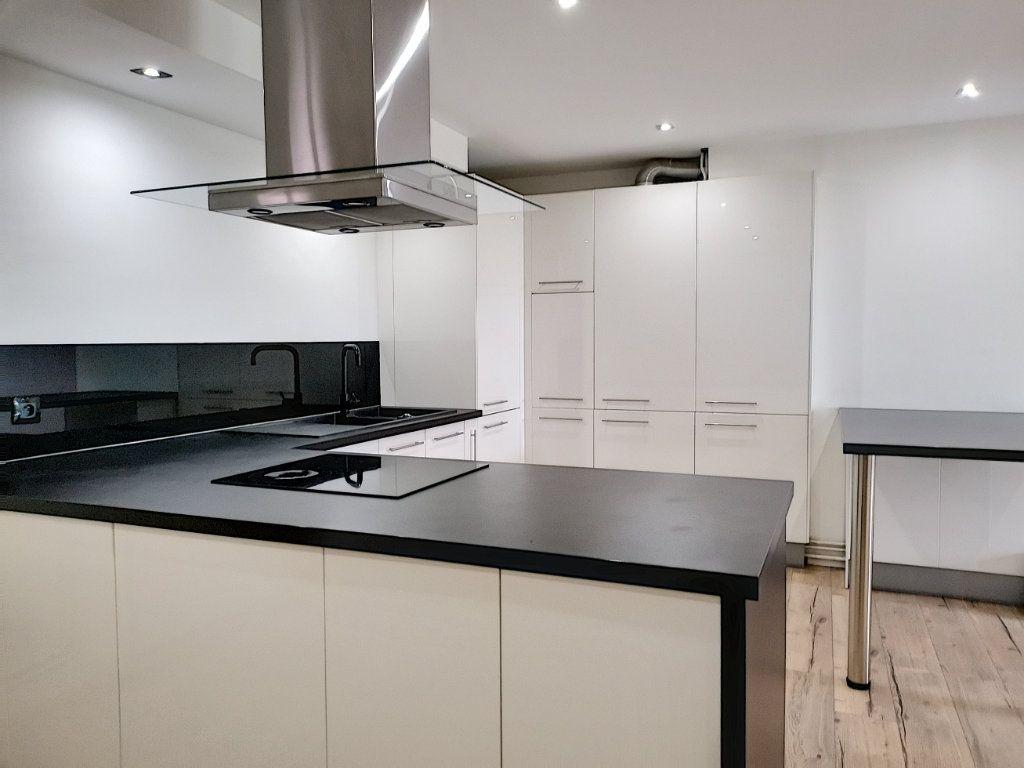 Appartement à vendre 2 50m2 à Villeneuve-d'Ascq vignette-3