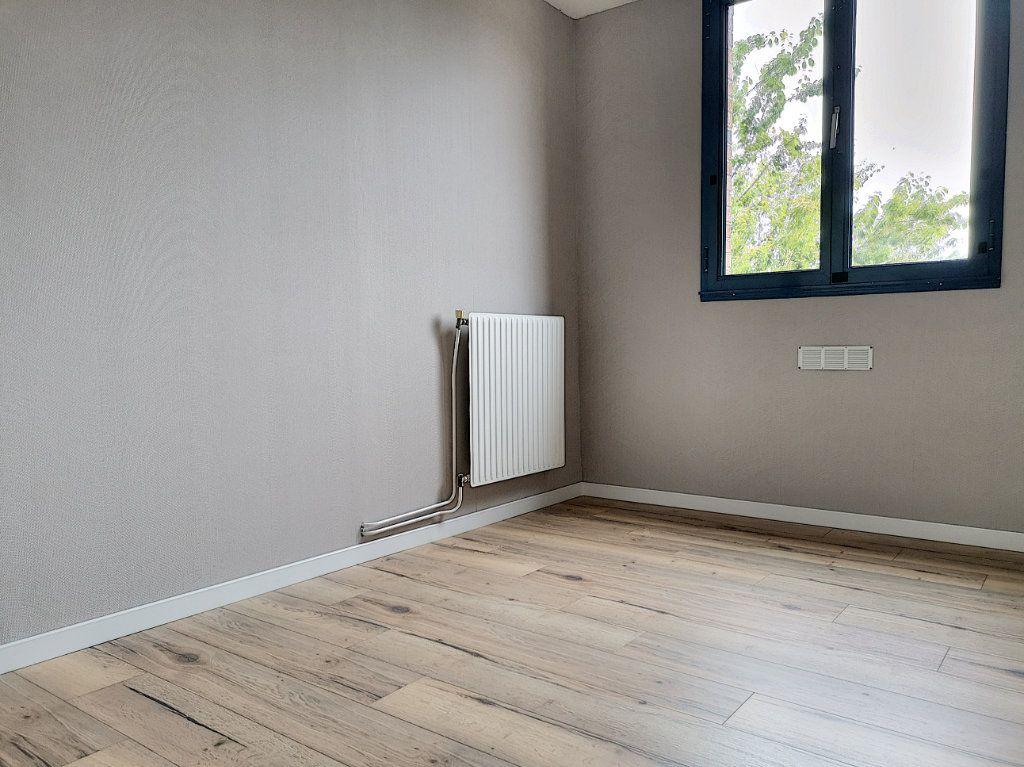 Appartement à vendre 2 50m2 à Villeneuve-d'Ascq vignette-6