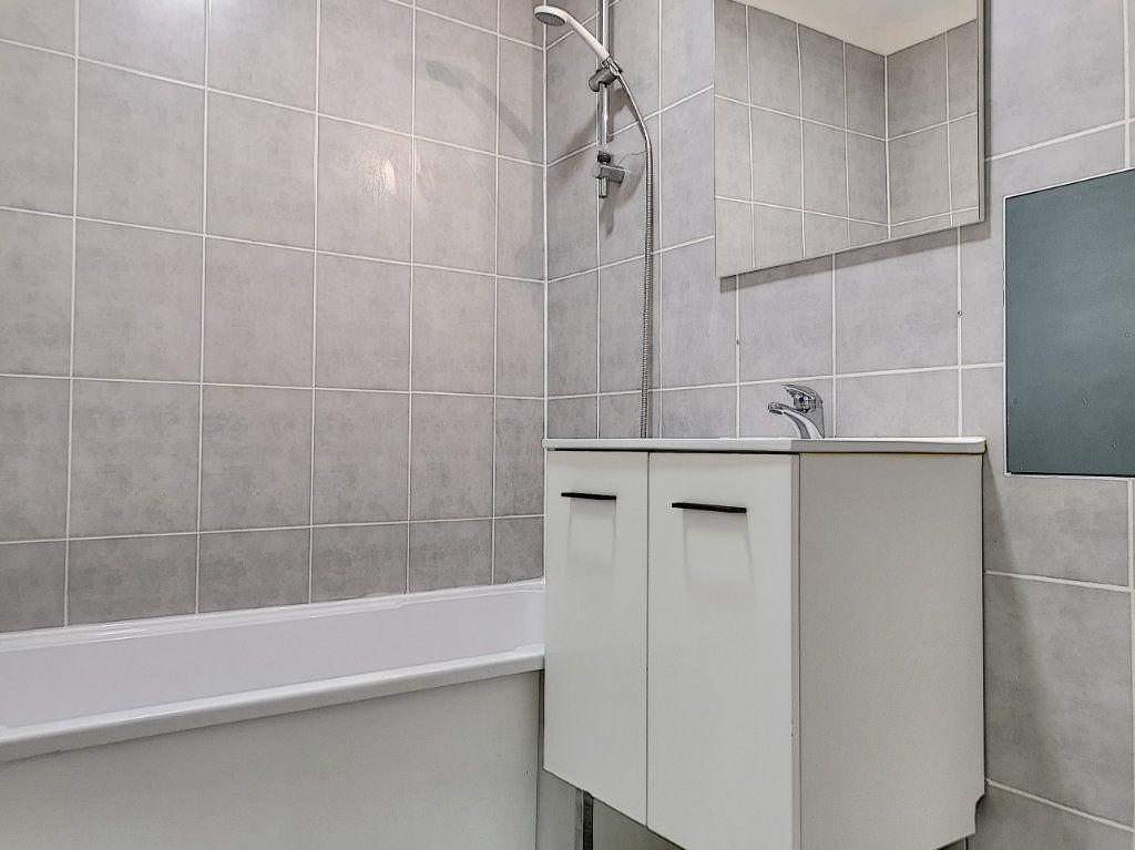 Appartement à vendre 2 50m2 à Villeneuve-d'Ascq vignette-8