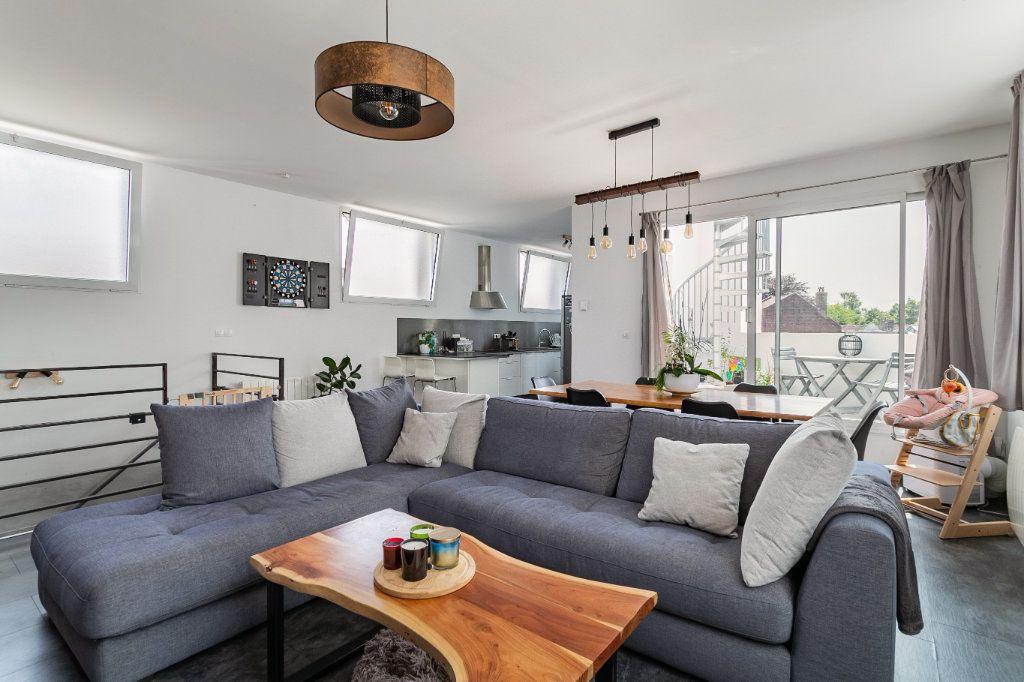 Appartement à vendre 4 100.2m2 à Tourcoing vignette-1
