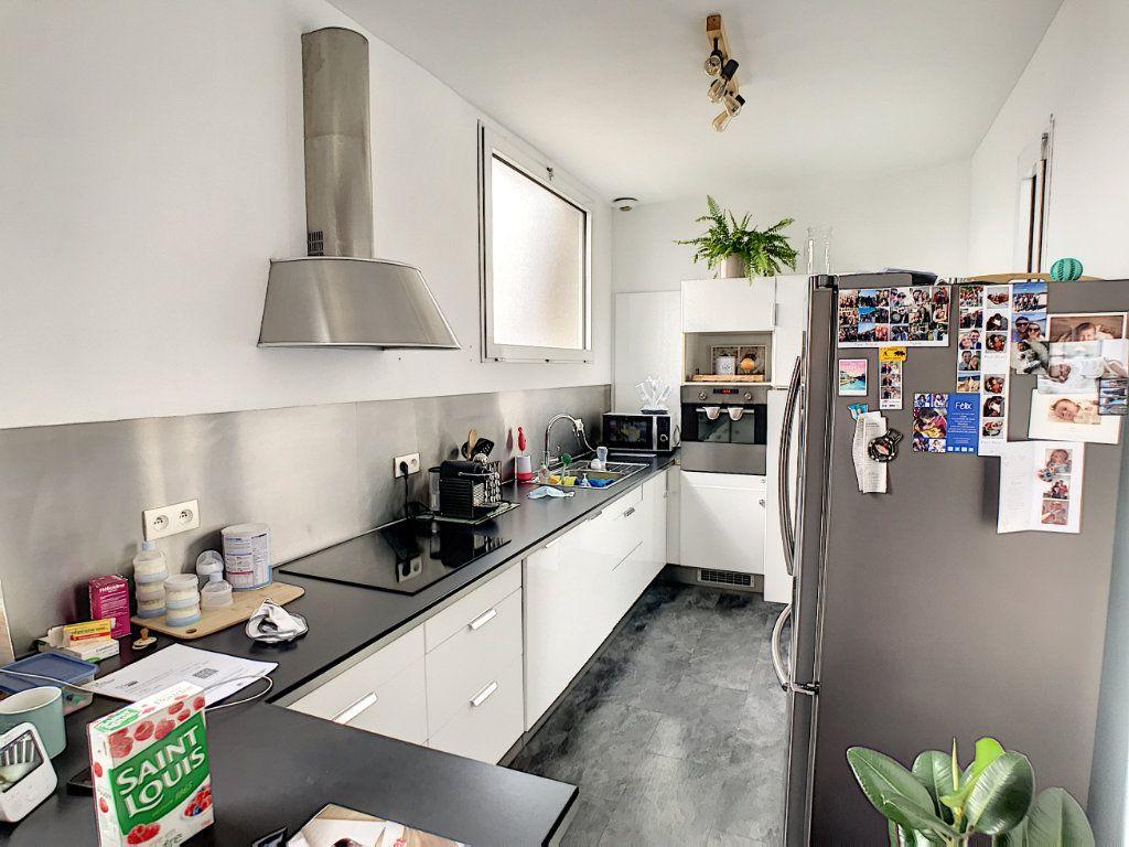 Appartement à vendre 4 100.2m2 à Tourcoing vignette-8