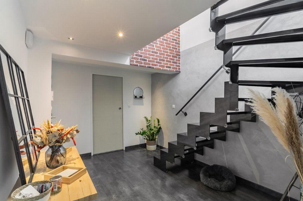 Appartement à vendre 4 100.2m2 à Tourcoing vignette-9