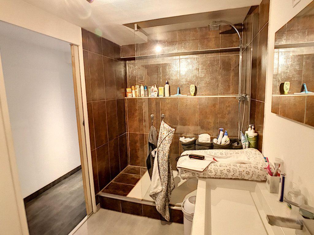 Appartement à vendre 4 100.2m2 à Tourcoing vignette-14