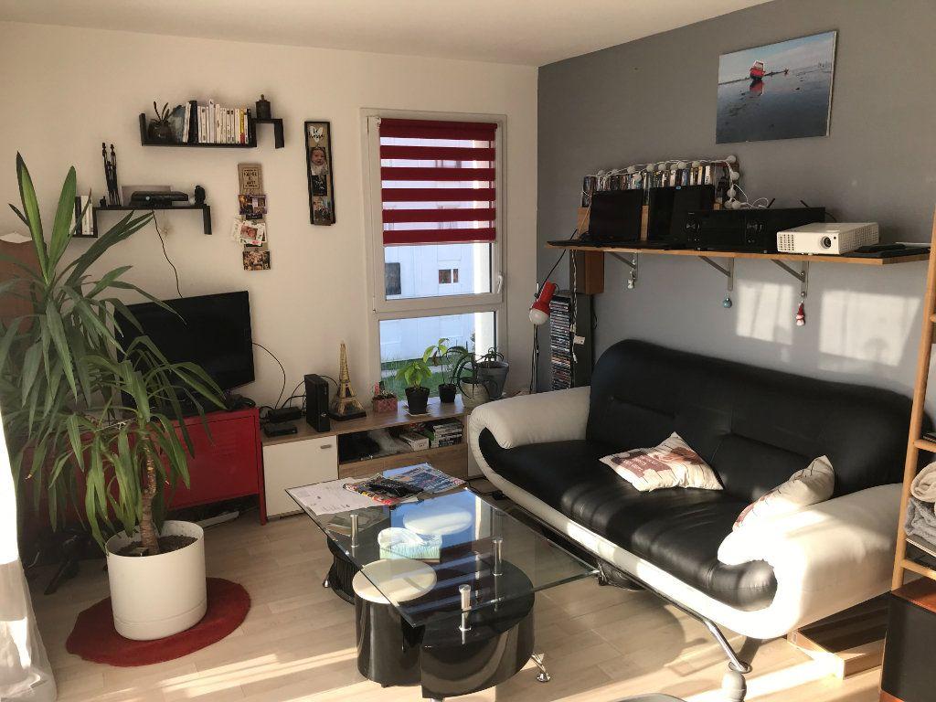 Appartement à louer 2 46.3m2 à Mons-en-Baroeul vignette-1