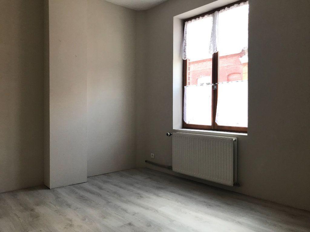 Maison à louer 4 80m2 à Tourcoing vignette-9