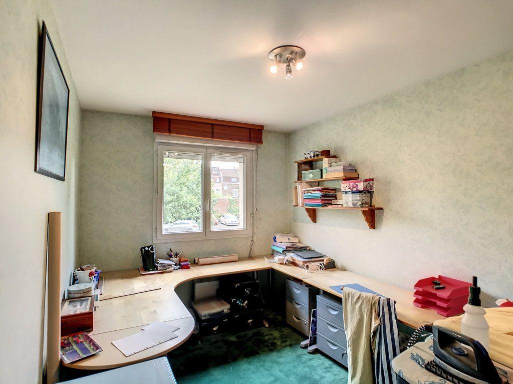 Appartement à vendre 4 114.86m2 à Lille vignette-5