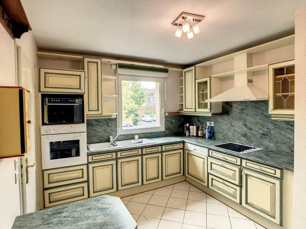 Appartement à vendre 4 114.86m2 à Lille vignette-7
