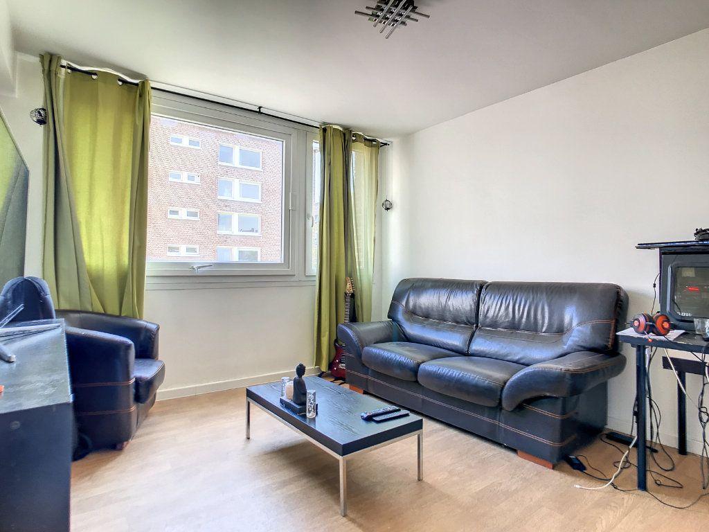 Appartement à vendre 2 42m2 à Lille vignette-1