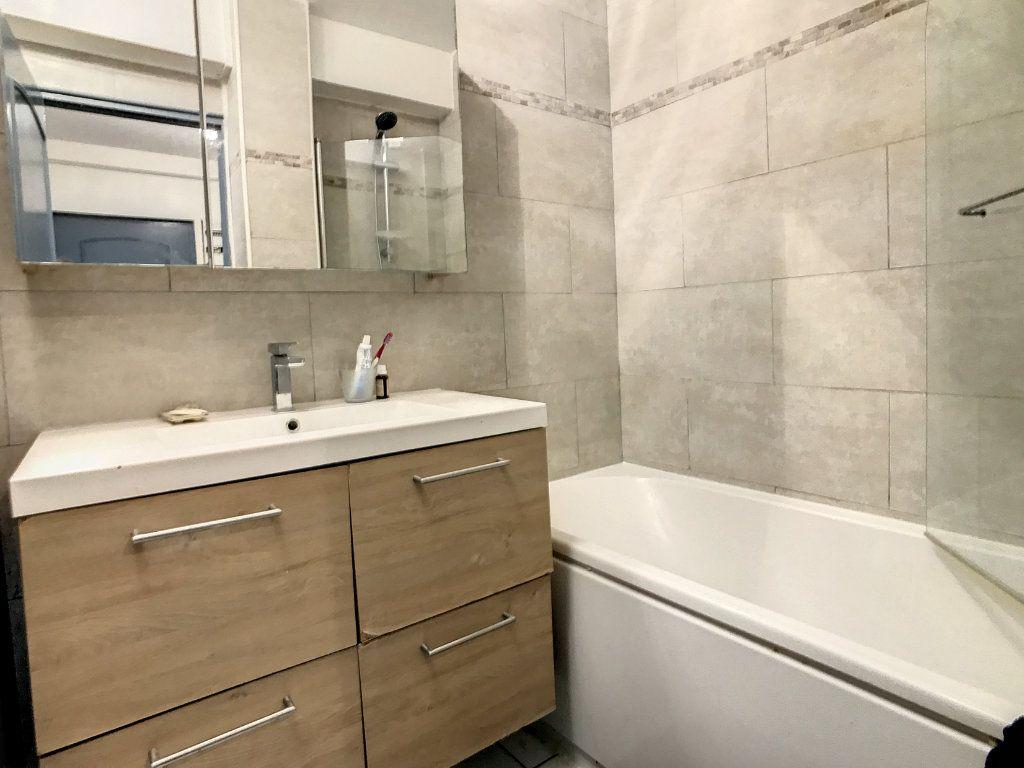 Appartement à vendre 2 42m2 à Lille vignette-7