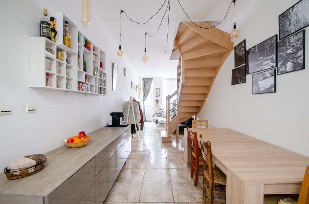 Maison à louer 3 61.65m2 à Lille vignette-2