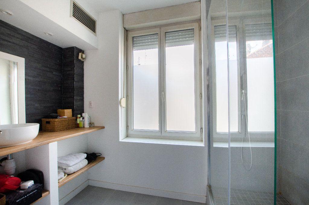 Maison à louer 3 61.65m2 à Lille vignette-5