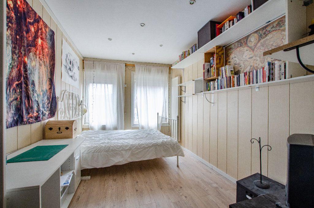 Maison à louer 3 61.65m2 à Lille vignette-6