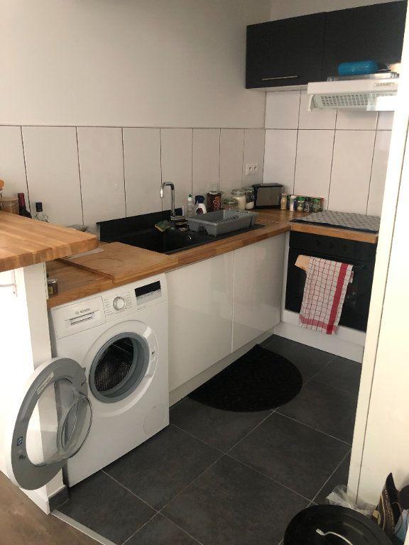 Appartement à louer 2 36.44m2 à Lille vignette-3