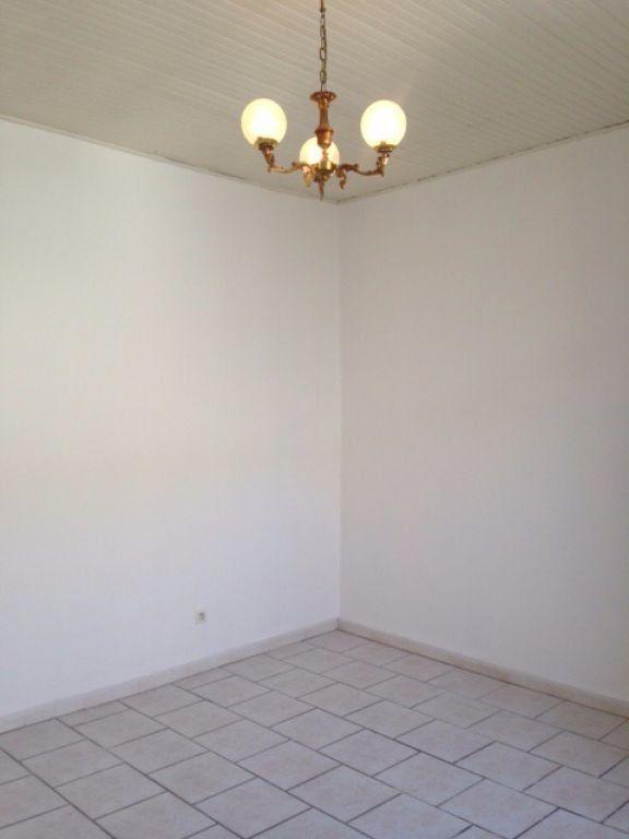 Appartement à louer 2 52.99m2 à Vauvert vignette-4