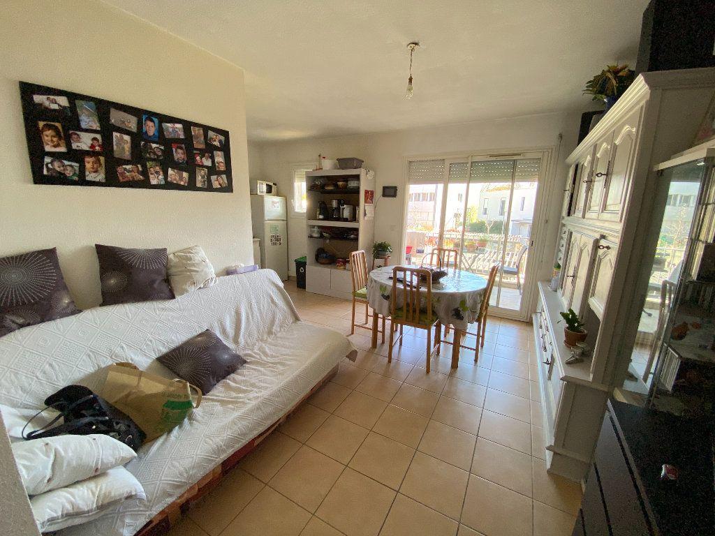 Appartement à louer 2 41.5m2 à Lunel vignette-1