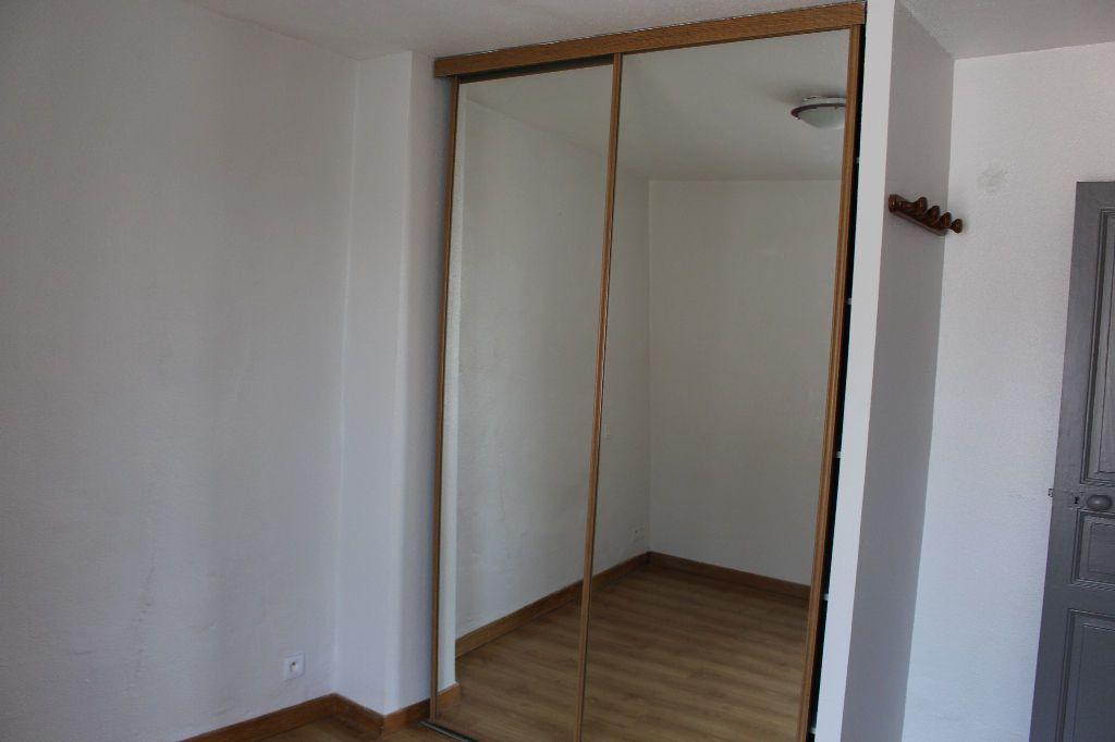 Maison à louer 3 44.46m2 à Générac vignette-6
