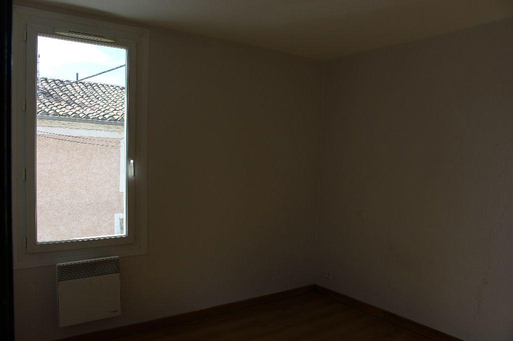 Maison à louer 3 44.46m2 à Générac vignette-7