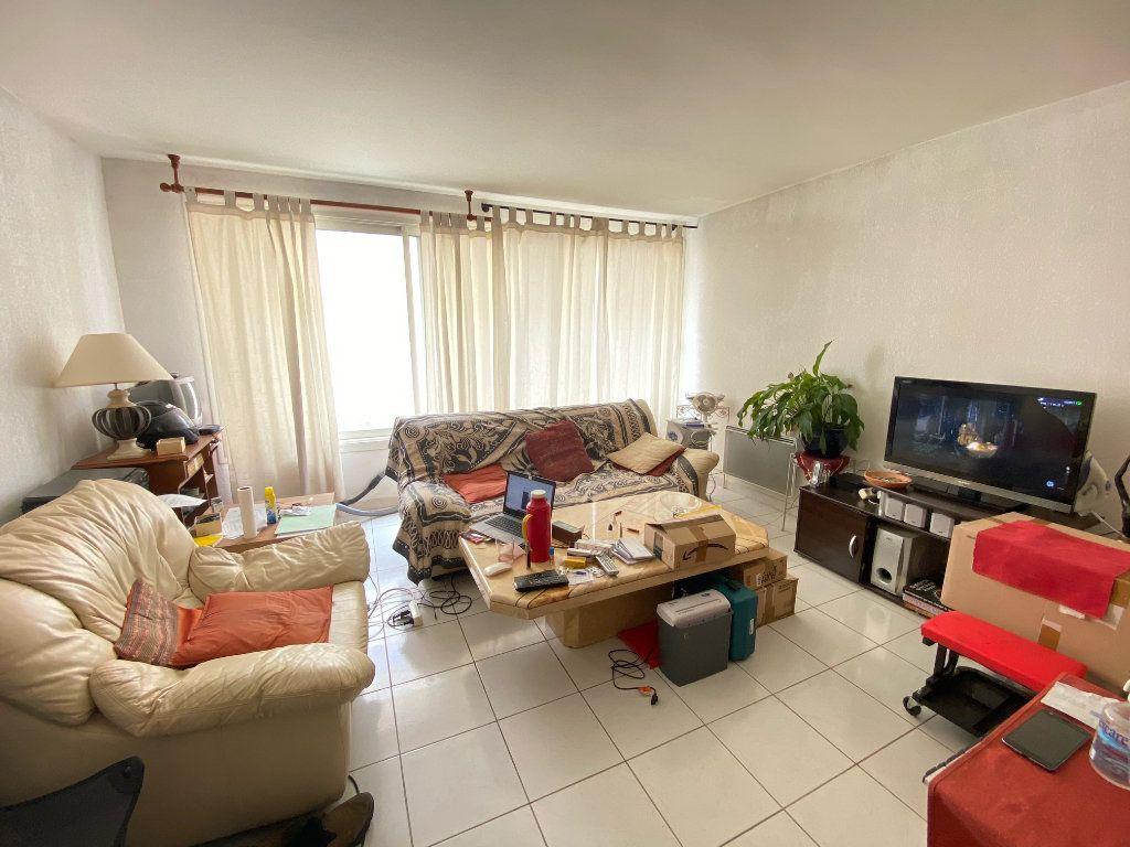 Appartement à louer 2 47.94m2 à Lunel vignette-1