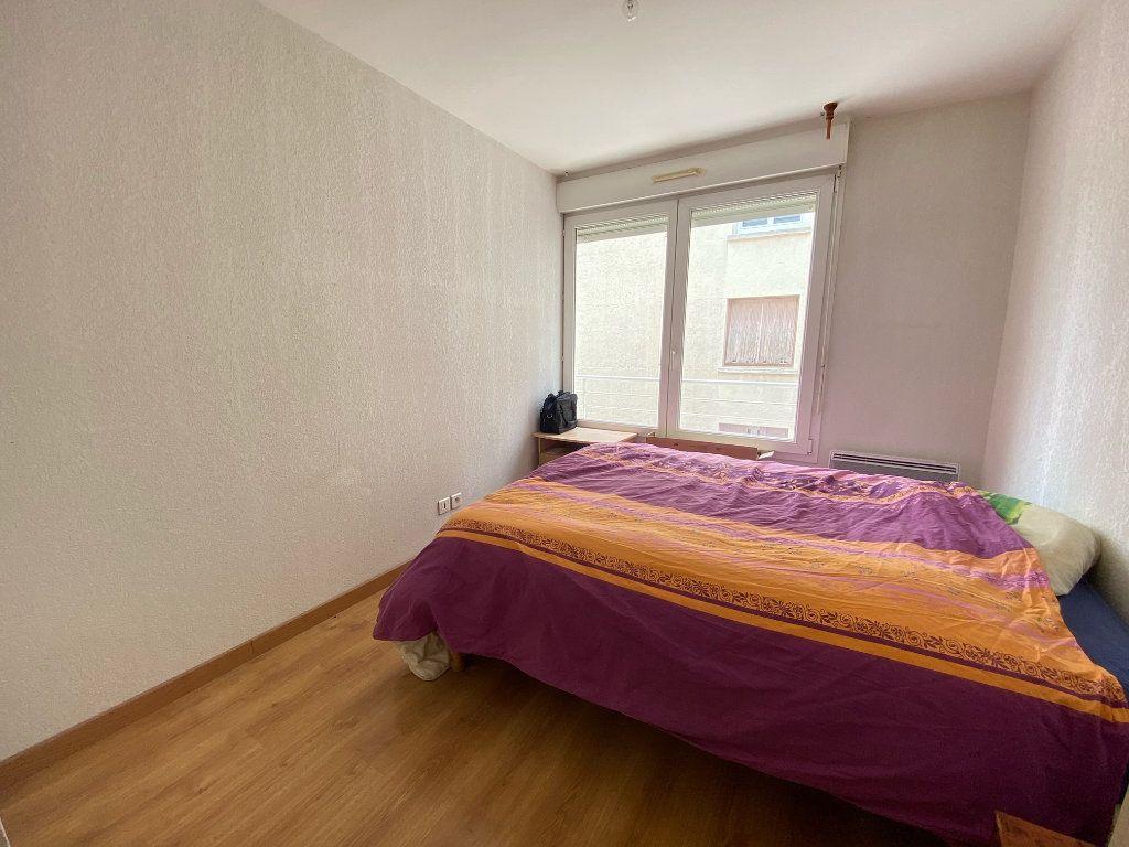 Appartement à louer 2 47.94m2 à Lunel vignette-2