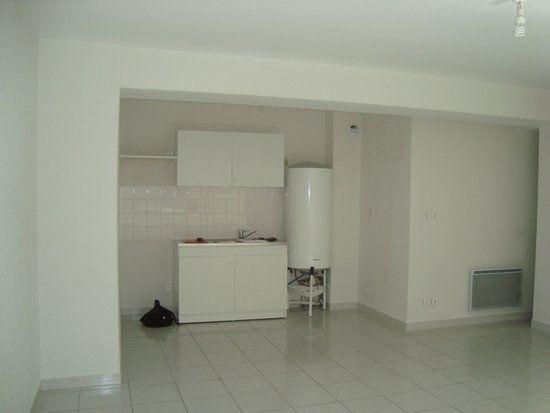 Appartement à louer 2 47.94m2 à Lunel vignette-5