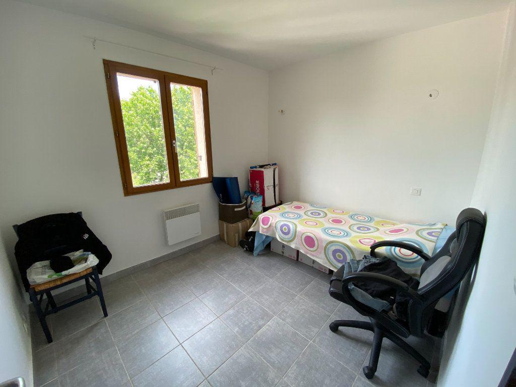 Appartement à louer 3 43.71m2 à Calvisson vignette-2