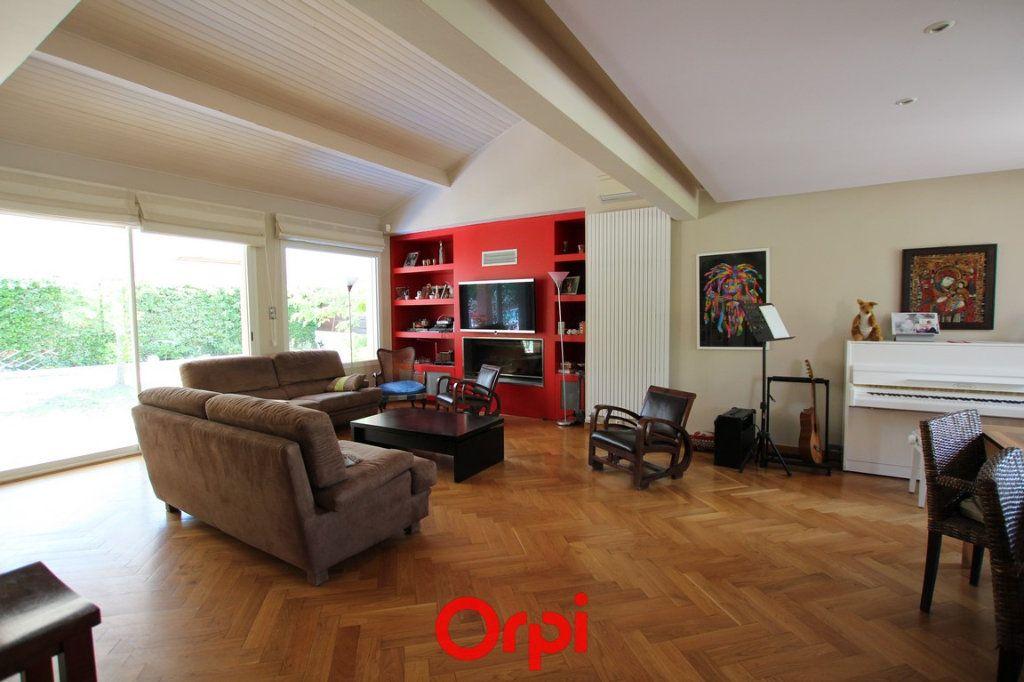 Maison à vendre 6 176.78m2 à Caissargues vignette-4