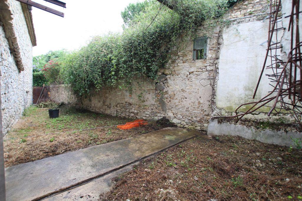 Maison à vendre 1 300m2 à Saint-Nazaire-de-Pézan vignette-3
