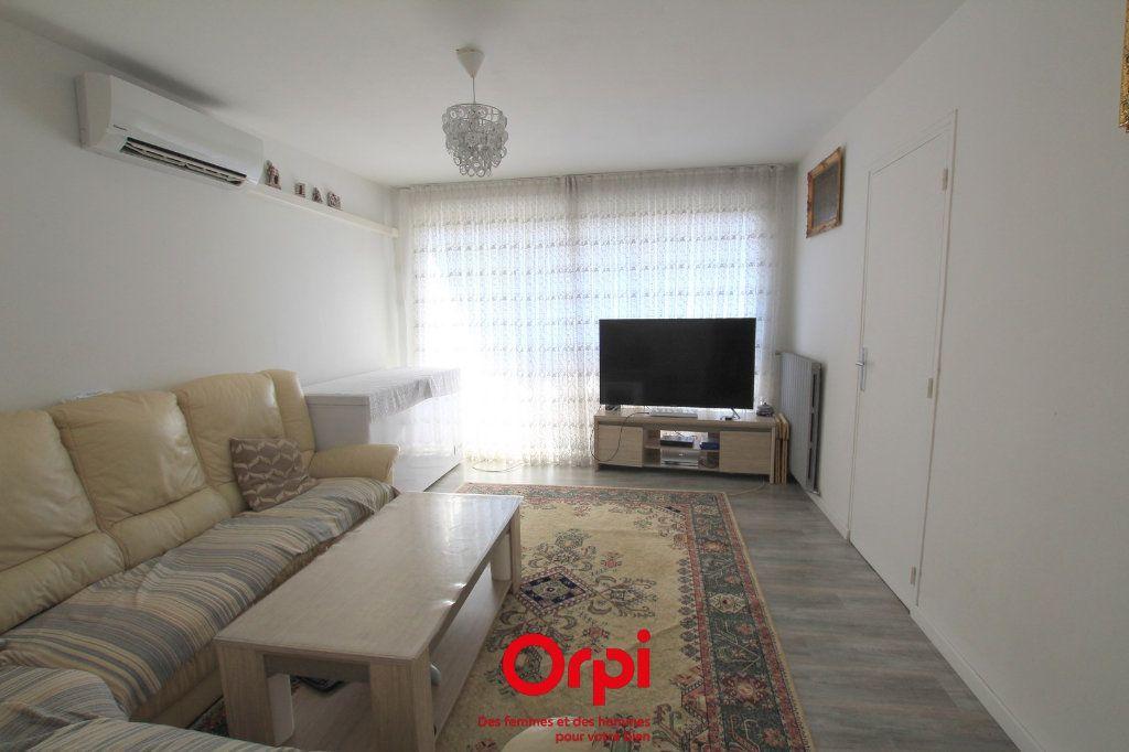 Appartement à vendre 4 78m2 à Lunel vignette-1