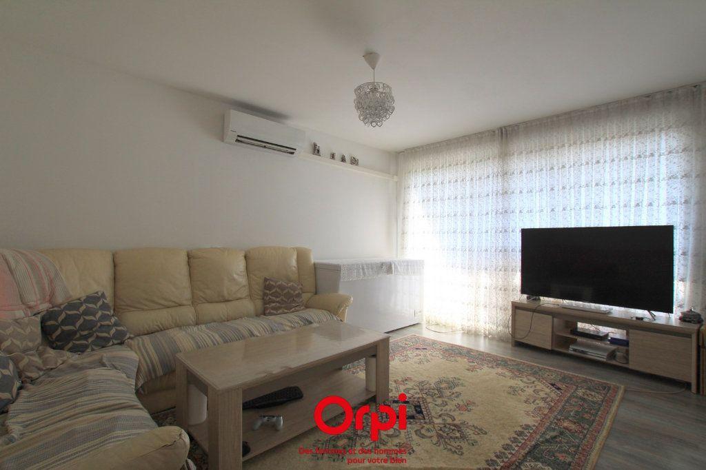 Appartement à vendre 4 78m2 à Lunel vignette-2