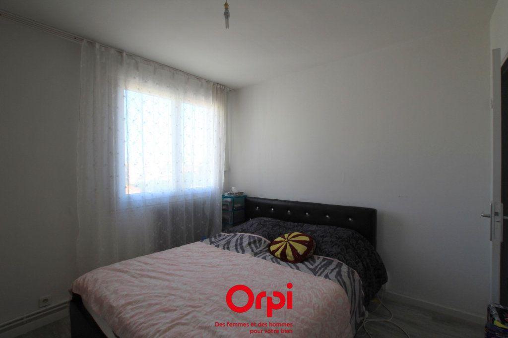 Appartement à vendre 4 78m2 à Lunel vignette-4