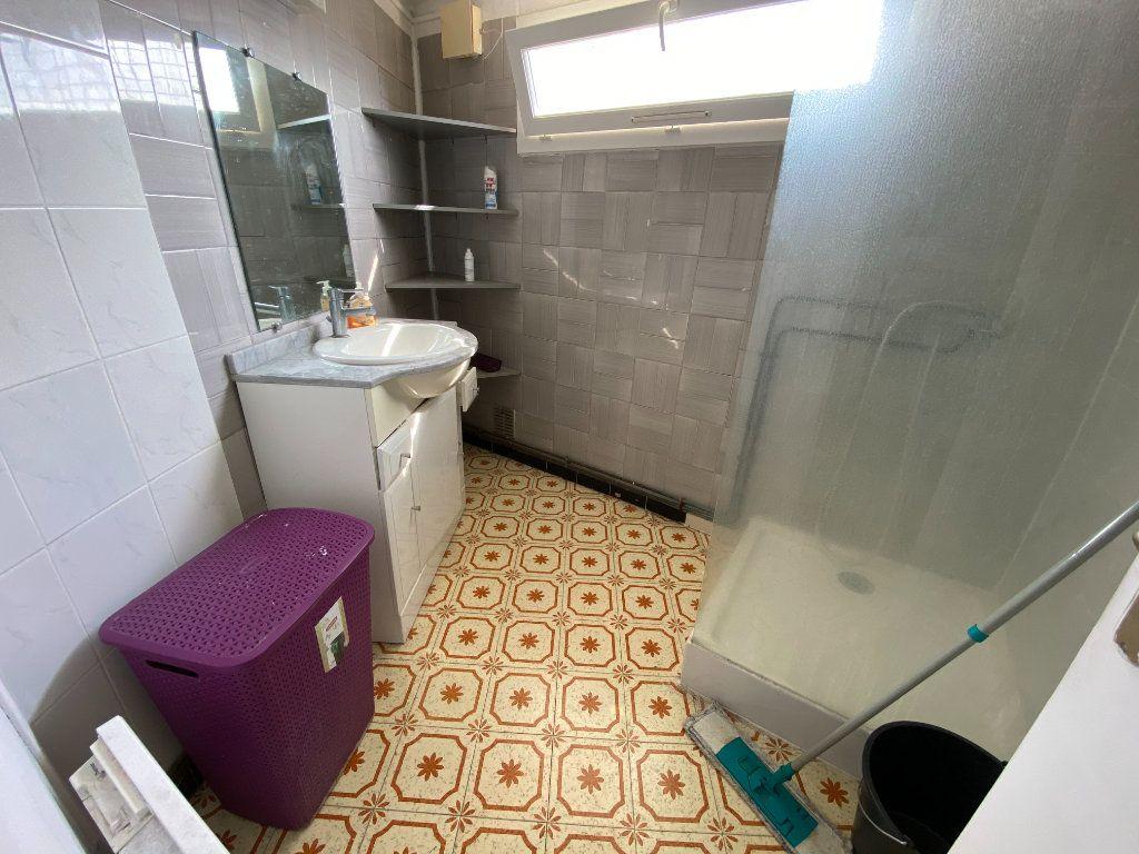 Appartement à louer 2 54.67m2 à Saint-Côme-et-Maruéjols vignette-3