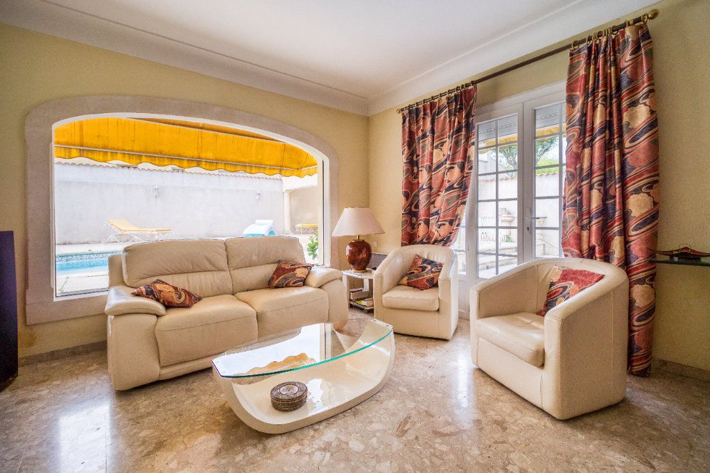 Maison à vendre 5 121m2 à Saint-Gilles vignette-3