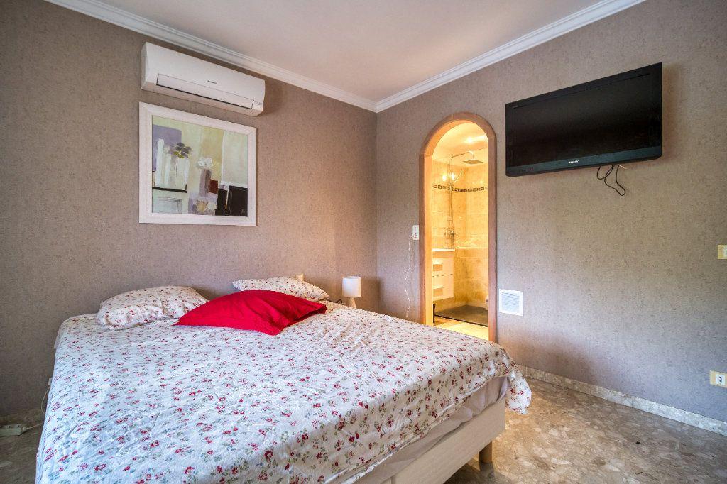 Maison à vendre 5 121m2 à Saint-Gilles vignette-7