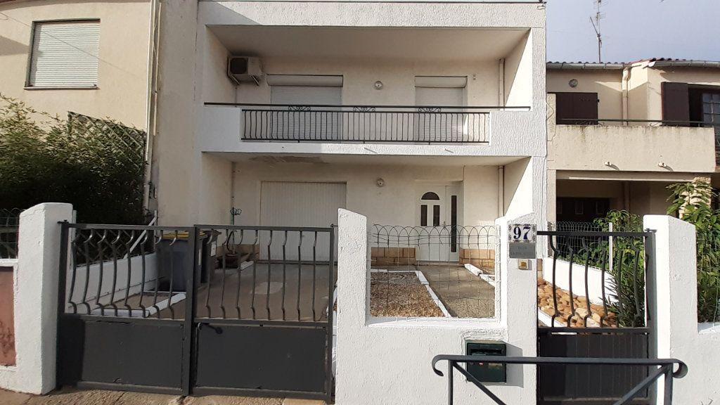 Maison à louer 5 108.16m2 à Lunel vignette-1