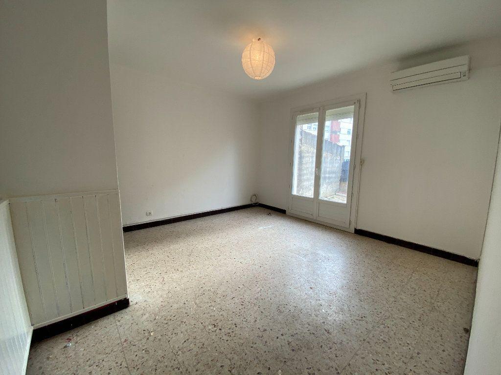 Maison à louer 5 108.16m2 à Lunel vignette-5