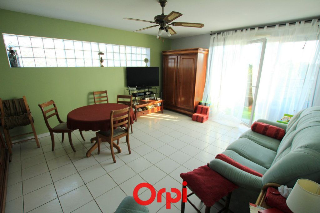 Appartement à vendre 3 65m2 à Lunel vignette-1