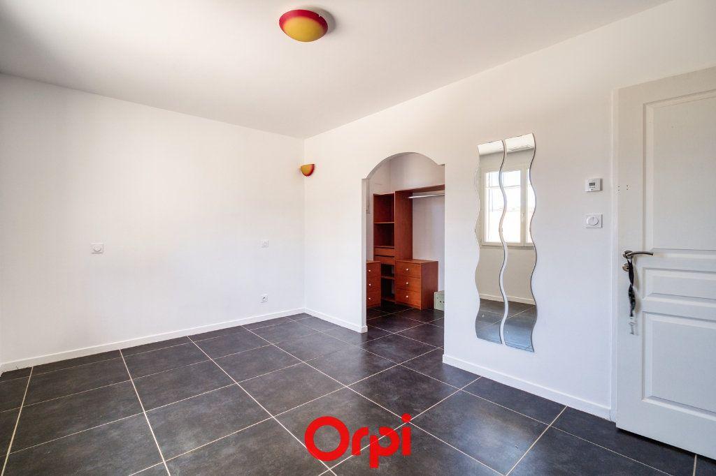 Maison à vendre 4 105.55m2 à Saint-Gilles vignette-4