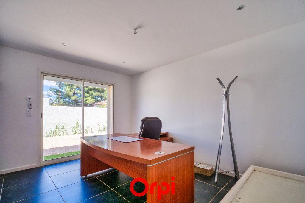 Maison à vendre 4 79.55m2 à Saint-Gilles vignette-5